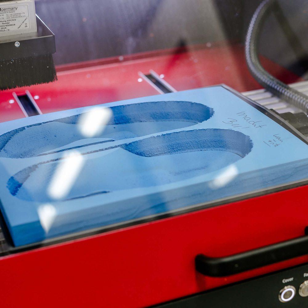 Maßgefertigte Einlagen aus der hauseigenen CNC-Fräse